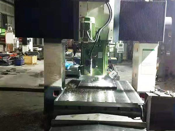 轨道式焊割机加工车间