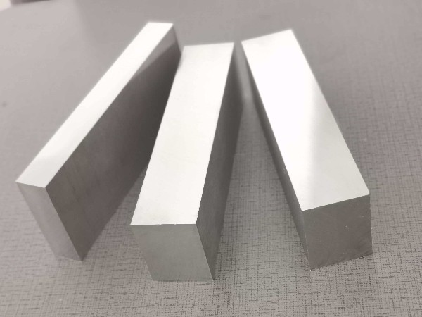 隆实为打造高品质模具钢,车间设备升级