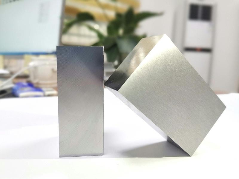 NAK80抛光塑胶模具钢精料
