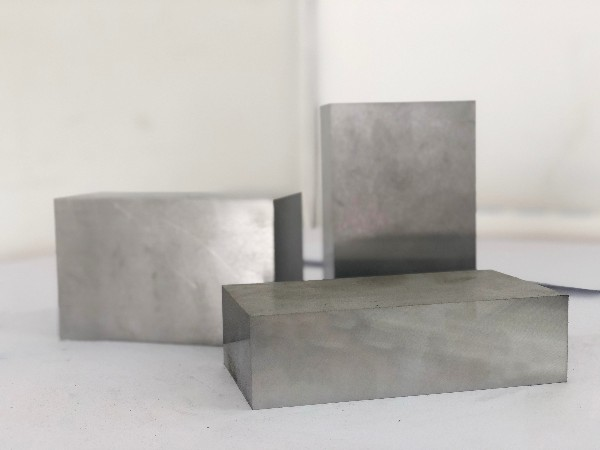 冲压不锈钢用什么模具钢?
