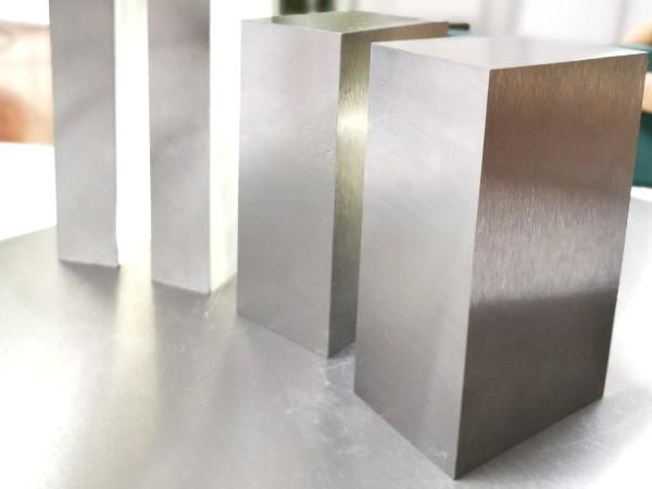 常用的硅胶模具钢材