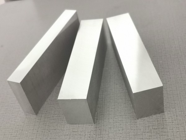 模具钢淬火后发生裂纹的原因及预防措施